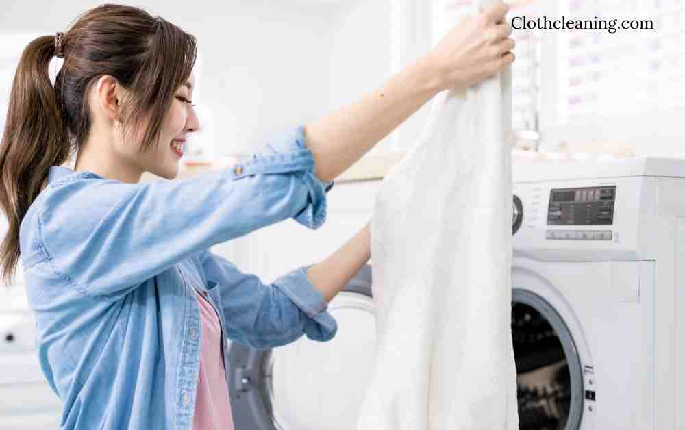 How to wash white clothes properly?